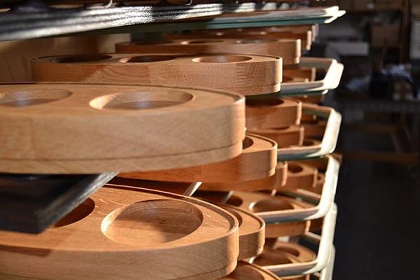 favre sas la finition et le marquage des pi ces bois. Black Bedroom Furniture Sets. Home Design Ideas