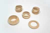 Bracelets en bois massif pour gainage cuir.