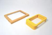 Cadre en bois verni pour iPad et cadre MDF laqué.