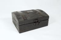 Coffret bois avec couvercle bombé - Pin de Caroline massif teinté noir
