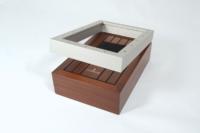 Coffret bois pour montre haut de gamme, finition teinte, vernis et laque.