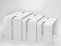 Tables gigognes en compact HPL postformé.
