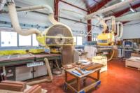 Machines à commande numérique pour l'usinage du bois et des panneaux composites.